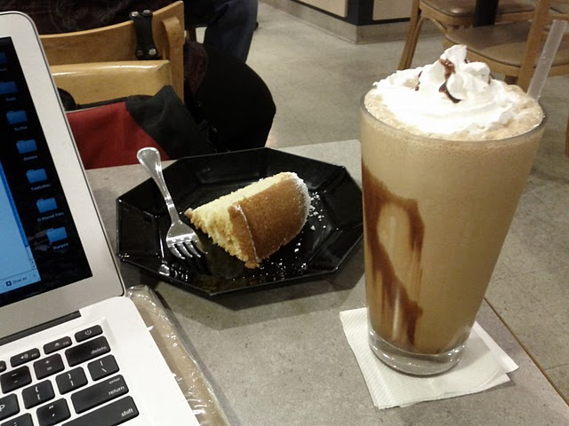 pound cake and mocha frappe at caffe romanza